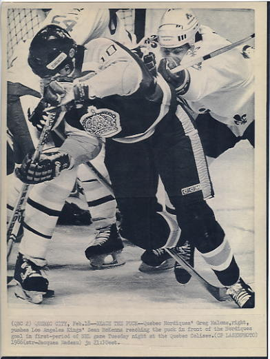 Greg Malone Nordiques & Sean McKenna Kings Original Press Photo Laser Paper Stock Includes Newsclipping w/ Caption on Back Approx. 8.5x11