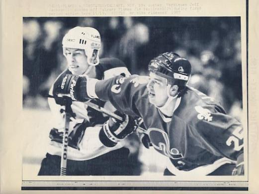 Jeff Jackson Nordiques & Jim Peplinski Flames Original Press Photo Laser Paper Stock Includes Newsclipping w/ Caption on Back Approx. 8.5x11