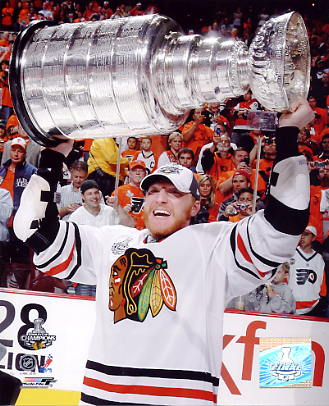 Marian Hossa With 2010 Stanley Cup LIMITED STOCK Chicago Blackhawks 8x10 Photo