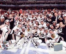 Chicago 2010 Blackhawks Celebrate Stanley Cup Win On Ice Blackhawks 8x10 Photo