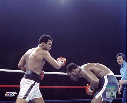 Muhammad Ali vs Joe Frazier The Thrilla in Manilla LIMITED STOCK 8x10 Photo