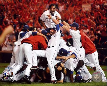 Rangers 2010 Texas Celebrate 2010 ALCS Win Photo 8X10 Photo