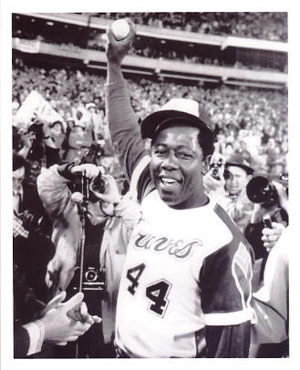 Hank Aaron 715 H.R.  Atlanta Braves 8X10 Photo