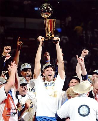 Dirk Nowitzki Celebrates Game 6 2011 NBA Champs Trophy Dallas Mavericks 8X10 Photo LIMITED STOCK