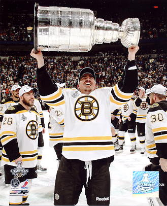 Thomas Kaberle With Stanley Cup 2011 Boston Bruins 8x10 Photo