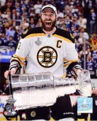 Zdeno Chara with 2011 Stanley Cup Boston Bruins 8x10 Photo
