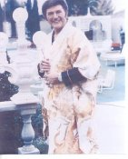 Liberace May Have Slight Creases LIMITED STOCK 8X10 Photo