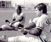 Johnny Bench & Tom Seaver LIMITED STOCK Cincinnati Reds 8X10 Photo