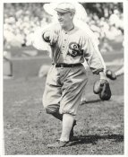 Unknown Vintage Baseball Player LIMITED STOCK Chicago White Sox 8X10 Photo