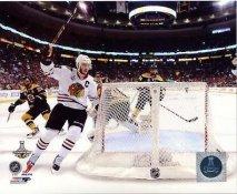 Jonathan Toews Goal Game 6 Chicago Blackhawks 2013 Stanley Cup Champions SATIN 8x10 Photo